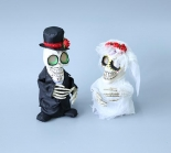 Bride and bridegroom skeleton